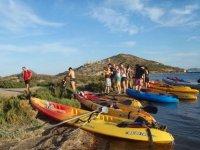 Desembarcando de los kayaks