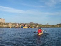 Kayak rumbo a la orilla