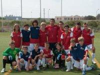 grupo en el campo de futbol