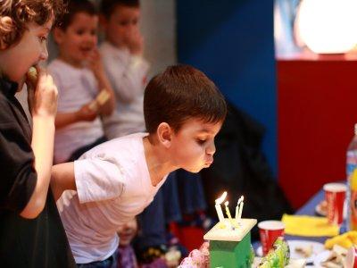 Fiesta de cumpleaños infantil en Barcelona. L-J