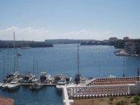 Los barcos atracados en el puerto