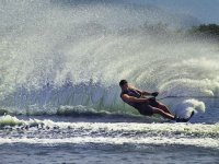 Rising the water with the skis