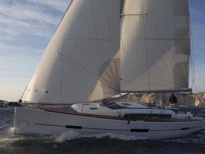 Valencia Corporat e Sail Vela