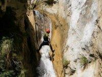 Rapeleando la cascada