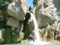 Saltare con la cascata