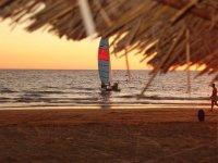La costa y nuestro velero