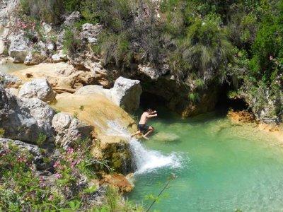 Barranquismo en Río Verde, dificultad media/alta