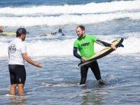 Hablando con el monitor de surf