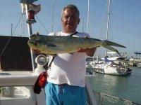 在奇克拉纳共享船上钓鱼5小时