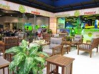 Zona de cafetería para padres