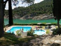游泳池酒店