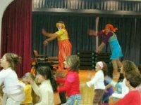 Children's entertainment shows