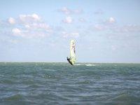 Haciendo windsurf en el Levante
