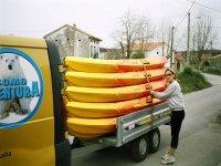 Canoe van