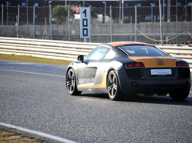 Una vuelta en el Audi