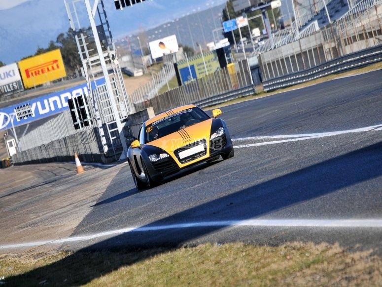 Pilotando un Audi de competición