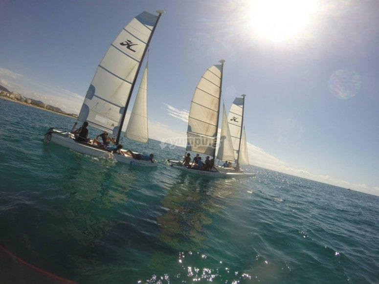 Sesion en catamaran en Calella