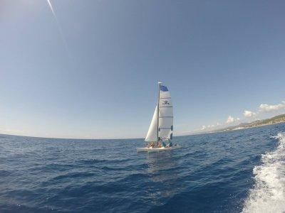Alquiler de catamarán sin patrón en Calella, 2h