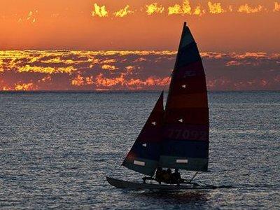 Alquiler de catamarán con patrón en Calella 2h