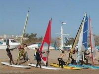 Alquiler de material de windsurf en Calella, 2h