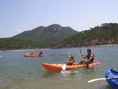 3小时的独木舟出租。 圣胡安水库
