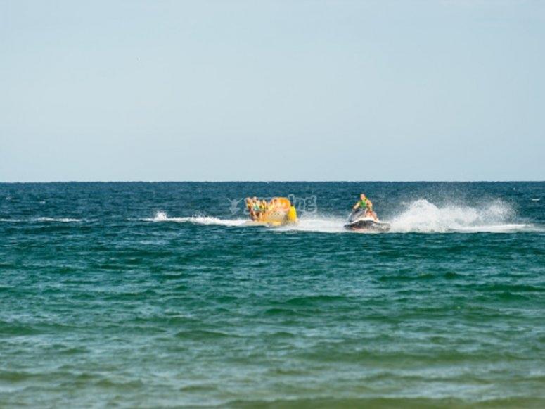 Adrenalina en el banana boat