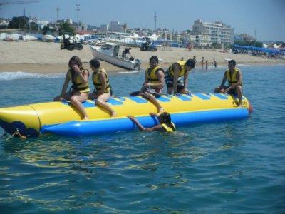 在Calella乘坐香蕉船12分钟