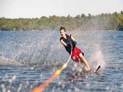 Esquí acuático en Calella 15 minutos