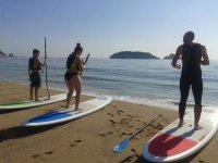 Stand up paddle surfing in Medes Islands