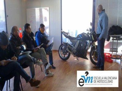 Escuela Valenciana de Motociclismo