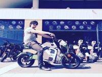 电动摩托车在阿利坎特