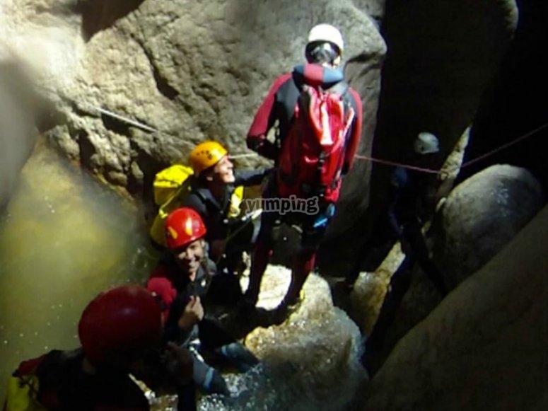 pasando por las grutas