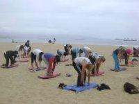Quando non c'è vento ci sono pilates sulla spiaggia