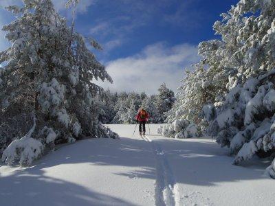 Guía de Montaña Nuria Hijano Raquetas de Nieve