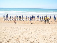 解释给他的学生在练习在海陆