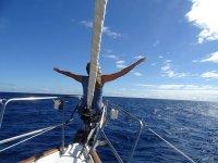 sentirse libre paseando en barco por el Hierro