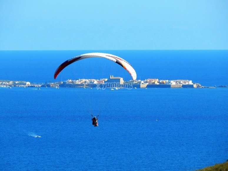 Paragliding in the coast of Alicante