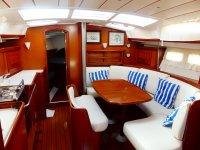 Interior del bote de Serea