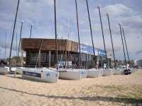 Catamaranes en la arena