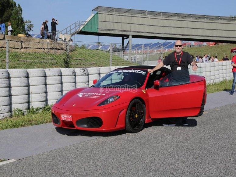 Ruta en carretera en Ferrari desde Montmelo