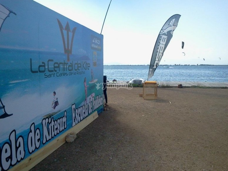 Kitesurfing classes in Sant Carles