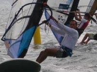 Aprende la técnica del windsurf