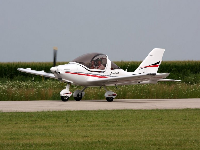 超轻型飞机起飞