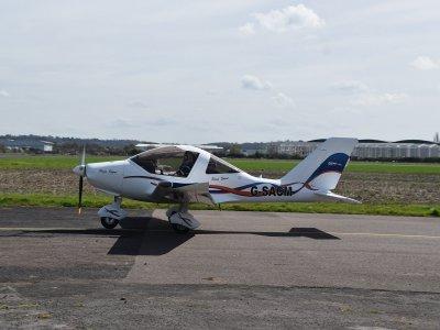 Vola in TL ultraleggero vicino a Barcellona 30 min