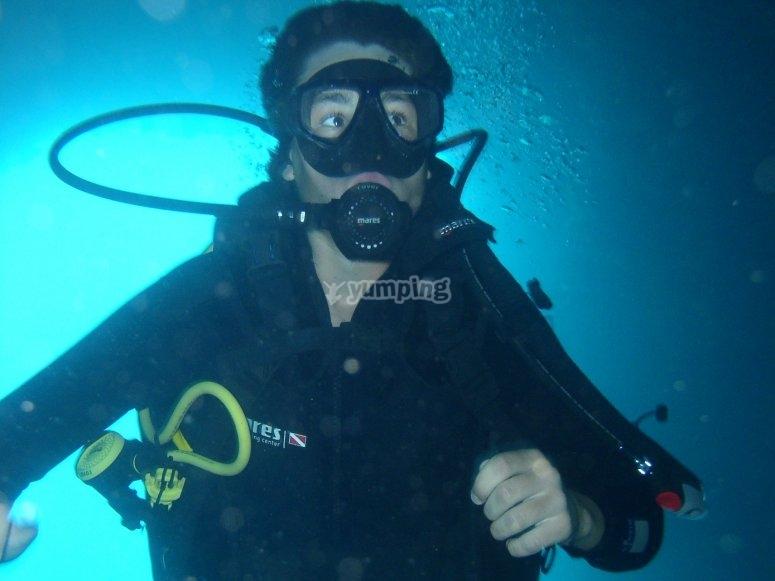 从船上潜水