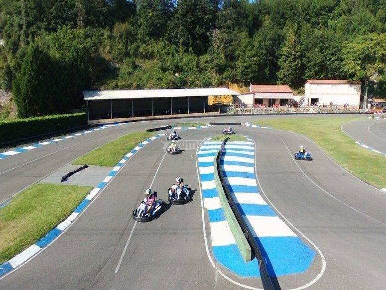 Karting en el circuito asturiano