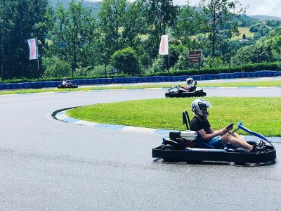 Karting for adults in Soto de Dueña for 10 mins