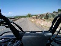 conduciendo el quad