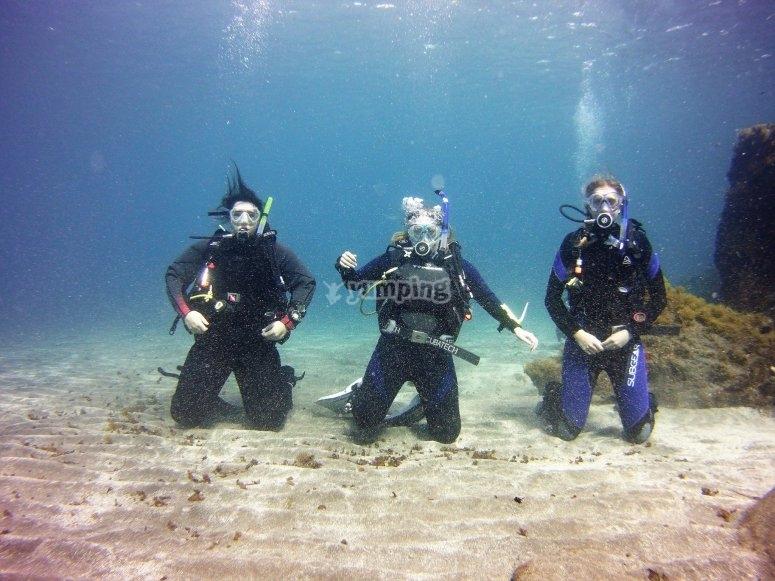 跪在海底潜水经验-999