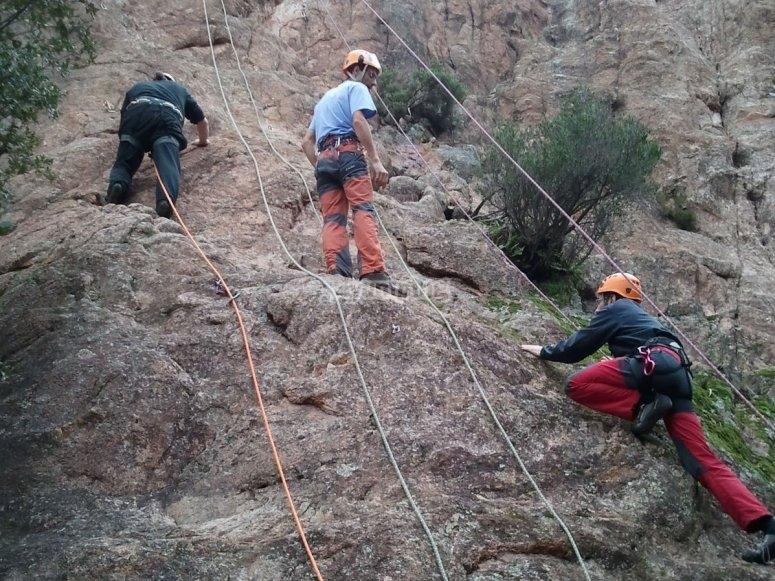 Sesión de escalada en la Costa Brava